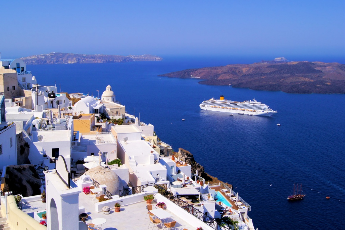 'Panoramic view of the town of Fira, Santorini, Greece' - Σαντορίνη
